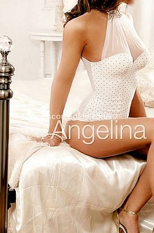 Angelina Carr Escort in Bedford