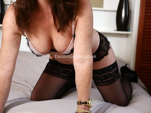 Indian escort from leicester available for bookings 4