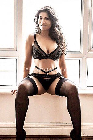 GinaLatinaMature Escort in London