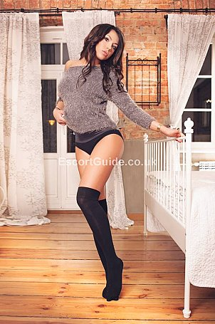 Natalie Fox Escort in Heathrow