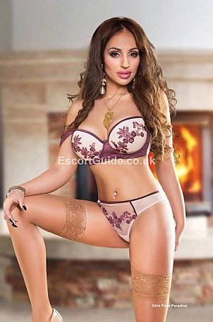 Alessa Escort in London