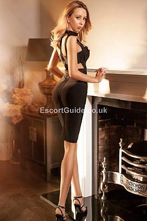 Amanda Escort in London