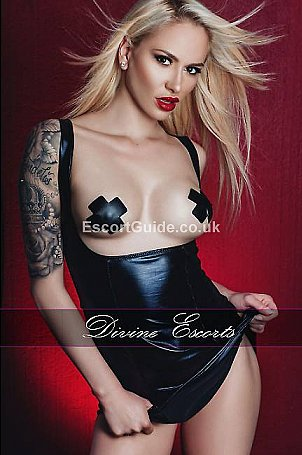 Mistress Iza Escort in London