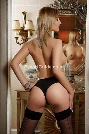 Nicole Escort in Swansea