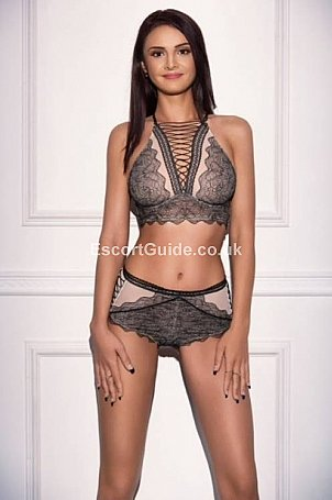Mariah Escort in London