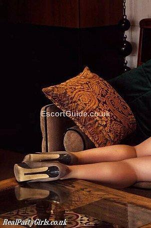 Jennifer Escort in Gatwick