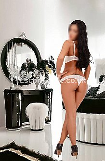 nataly london escort