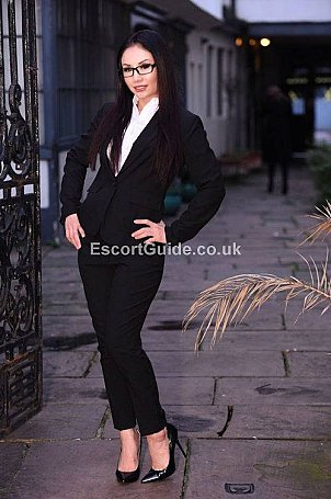 Suzi Starr Escort in Heathrow