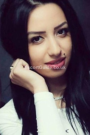 Alexxa Escort in Edinburgh
