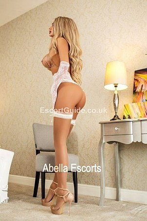 Nadya Escort in London