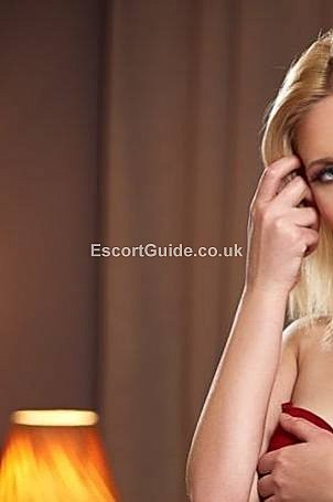 Elissa Escort in London