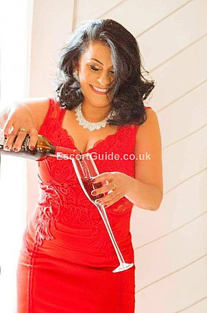 Zaida Escort in Maidenhead