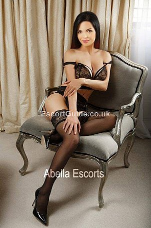 Roma Escort in London
