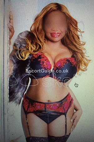 Curvy Caroline Escort in Edinburgh