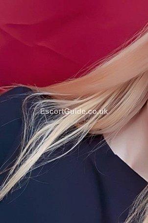 Natalie Escort in Cardiff