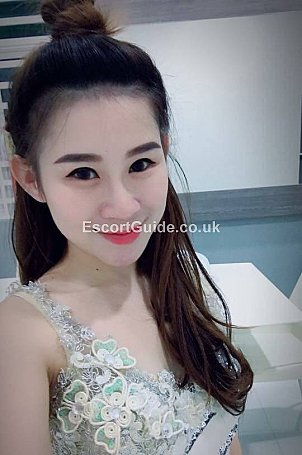 Celina Escort in London
