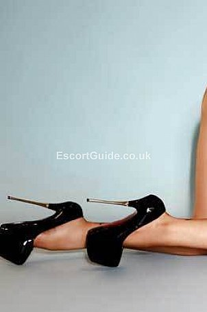 Loren Escort in London