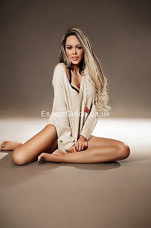 Alicia Escort in London
