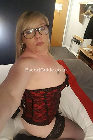 Lady Dior Escort in Lichfield