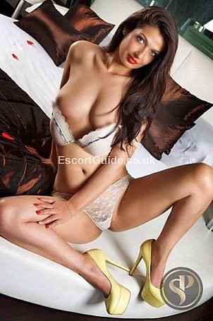 Cindy Escort in London