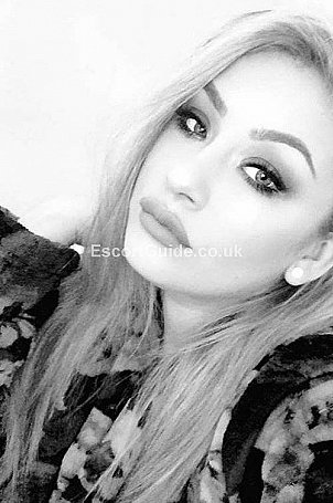 Lily94 Escort in Bristol
