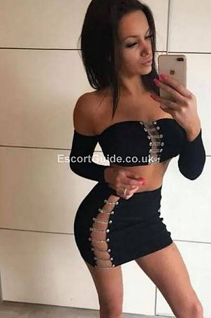 Carla Escort in Aberdeen