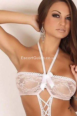 Denysa Escort in Edinburgh