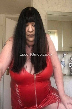 EVE_HERTS_SEXY_MILF Escort in Stevenage