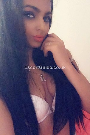 Lorena Escort in Luton