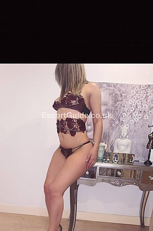 Shana Latina Escort in Bristol