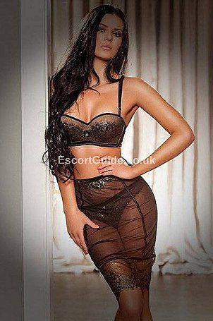 Esther Escort in Wigan