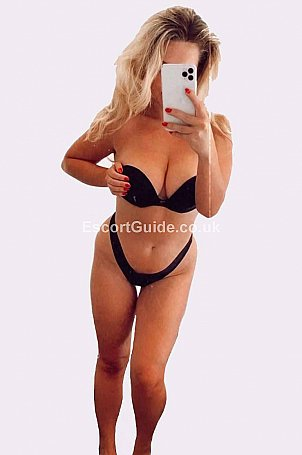 Camilla Escort in Surrey