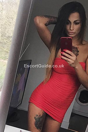 Sara Escort in Woking