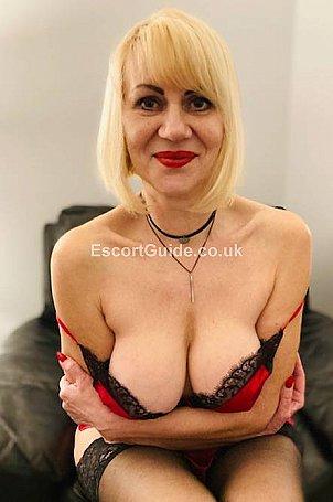 Mature Liana Escort in Essex