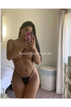 Monica Escort in Luton