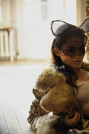 CHLOE Escort in London