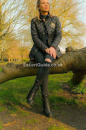 Ella Escort in London