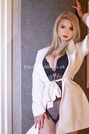 Lisa Escort in London