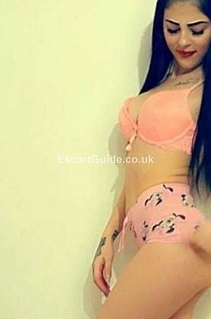 Cristal Escort in Luton