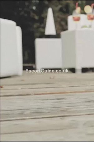 Erika Escort in Cardiff